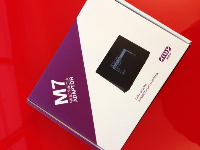 Med M7 får du tilgang til alle verdens kanaler på dab, dab+, fm og internettradio. Enkelt og rimelig! Ingen grunn til å kvitte seg med stereoanlegget fordi radioen digitaliseres.