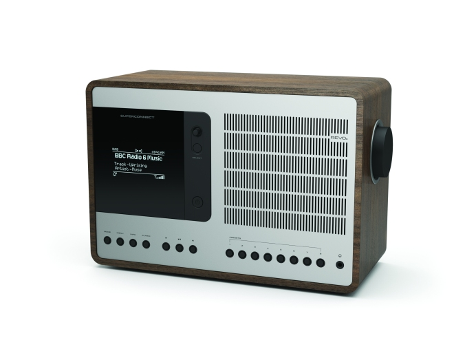 REVO SuperConnect. En kjempe blant radioer. (På lyd og egenskaper, altså!)