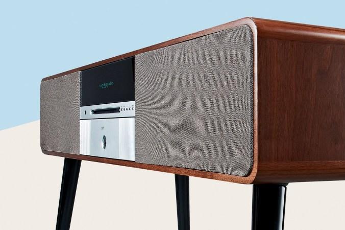 dab, dab+, fm rds, cd, internettradio, streaming og Bluetooth aptX med nydelig lyd.