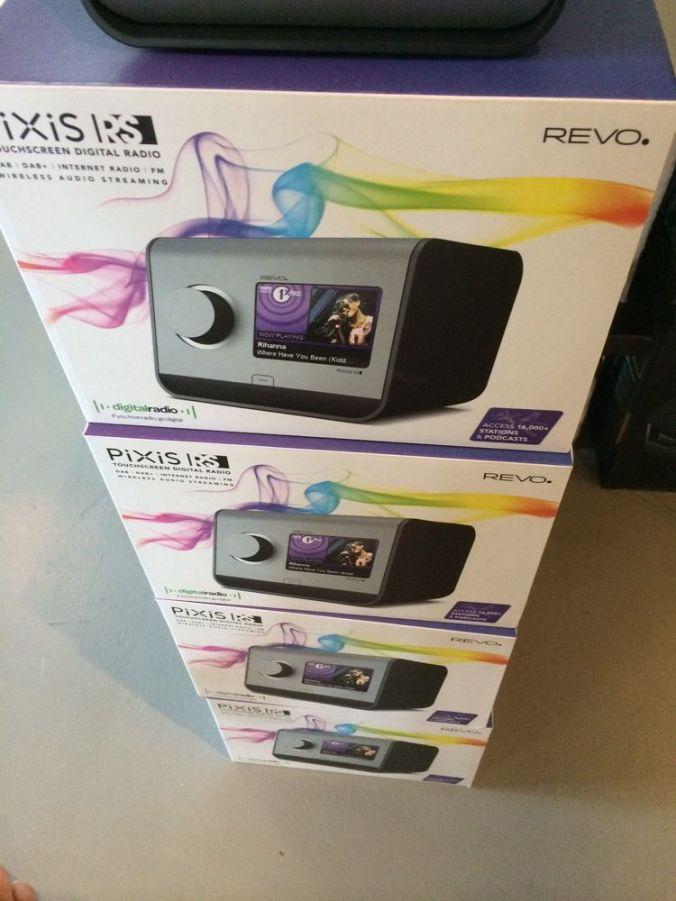 Radiobutikken.no har REVO Pixis RS på lager.