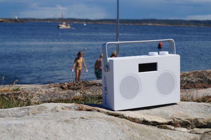 dab, dab+, fm og bluetooth. Svært godt dab-mottak og stereo. Kraftig lyd. Kun 999,-   (klikk på bildet)