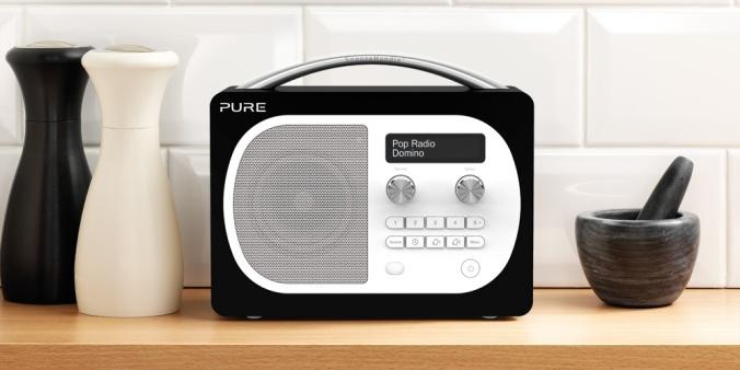 dab, dab+, fm, bluetooth, alarmfunksjoner, linjeinngang og mulighet for batteridrift. Rett og slett alt du trenger i en god kjøkkenradio.