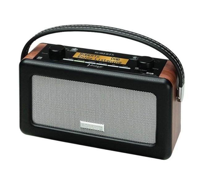 Roberts har produsert radioer siden begynnelsen av 1930-tallet. De har tatt vare på mye av tradisjonen i designet, men puttet moderne teknologi inni den.