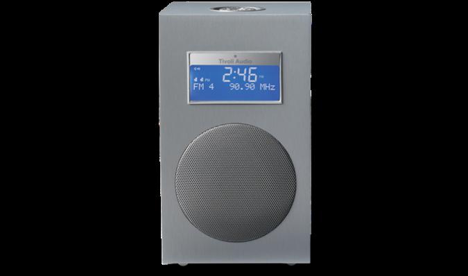 Tivoli Model 10+ har dab, dab+ og fm. Den har godt mottak og fin lyd.