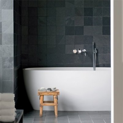 2 bain dark grey tiles bathroom with modern white stand alone tub wall mount fixtures faucets marieclairemaison